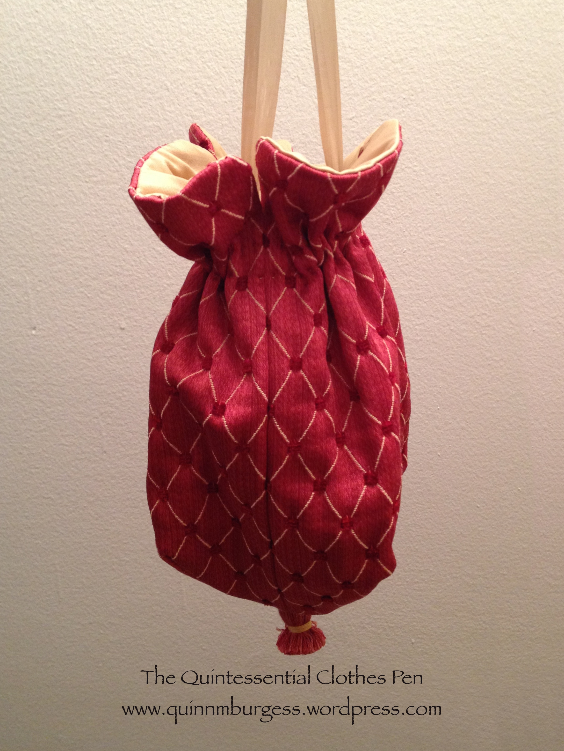 HSF #8: Red/Gold Regency Reticule | The Quintessential ...
